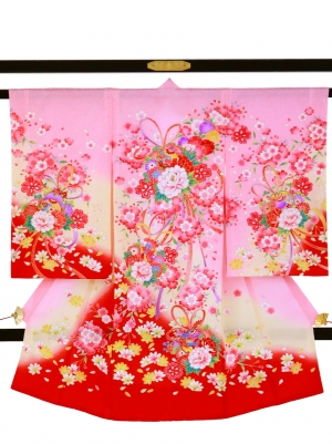 ピンク地に牡丹と鈴の祝い着/女児