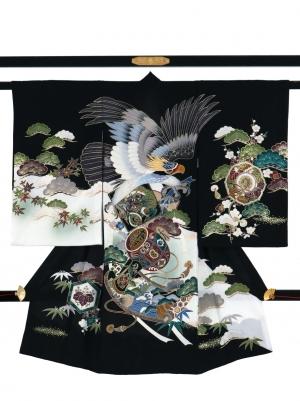 黒地に鷹と打ち出の小槌、松の祝い着/男児
