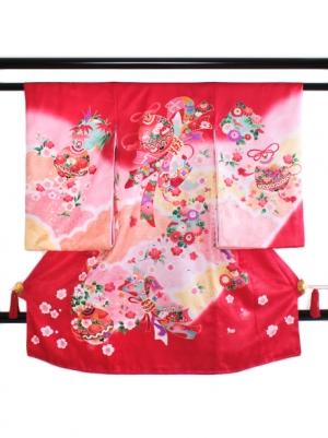 赤色にピンクのぼかしに鈴の祝い着