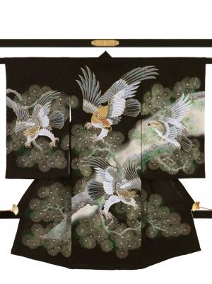 黒地に四羽の鷹と松の祝い着/男児