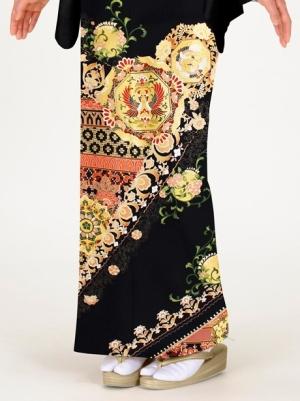 宝相華(ほうそうげ)に瑞鳥の留袖