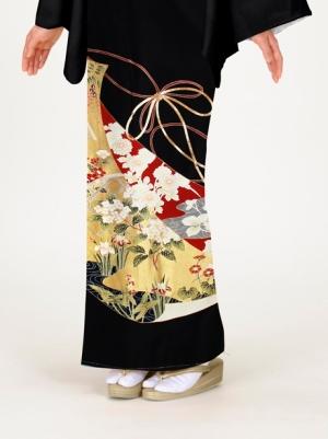 几帳(きちょう)に四季花の留袖