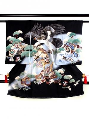黒地に鷹と軍配に兜の祝い着/男児