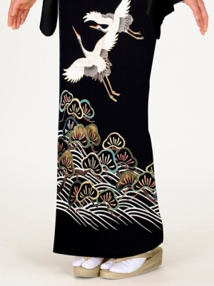 黒地に鶴と松の留袖